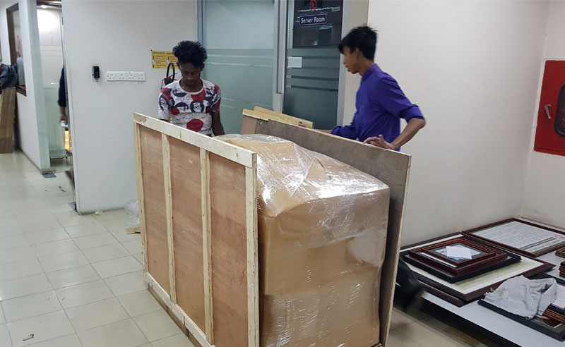 wooden box packing